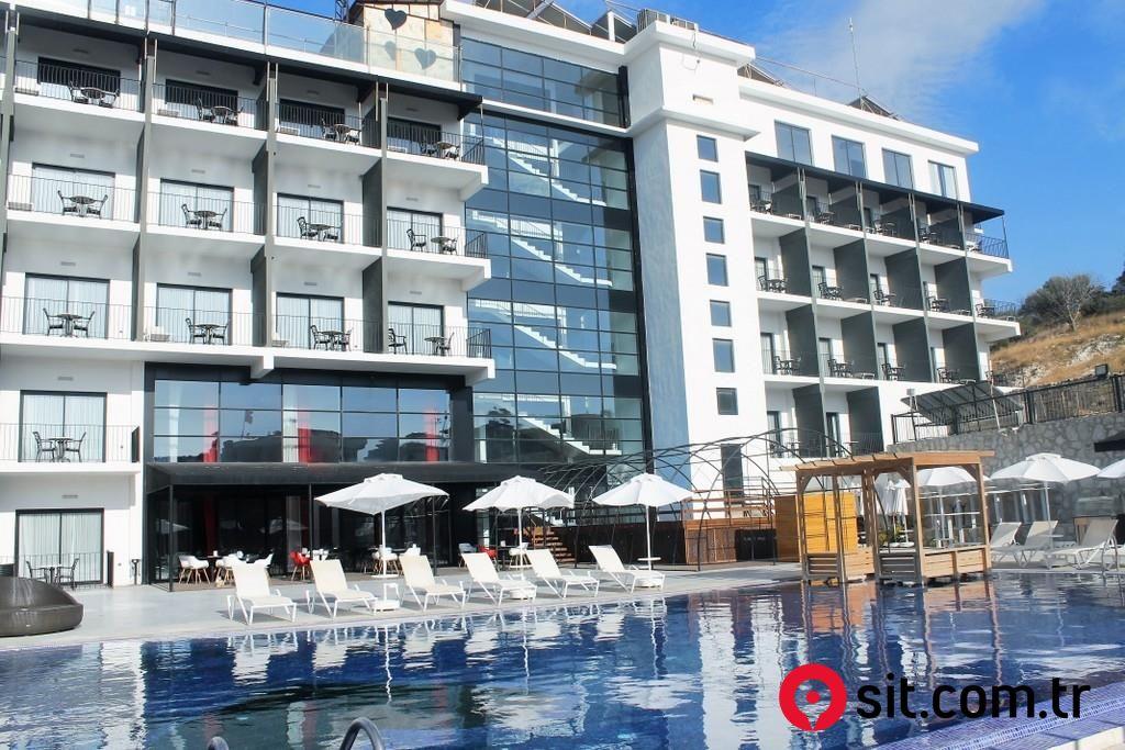 Satılık Emlak - Otel İZMİR, ÇEŞME,  12000 m² 14,500,000