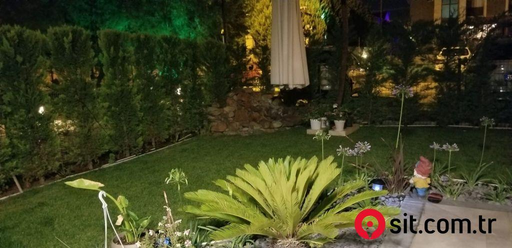 Urla Kalabakta Nezih Sitede Satılık Villa